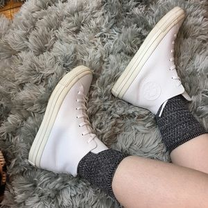 White Leather High Top Converse! 🖤🖤